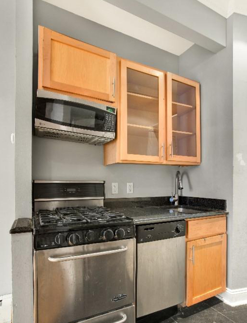 1 Bedroom, Alphabet City Rental in NYC for $2,496 - Photo 1