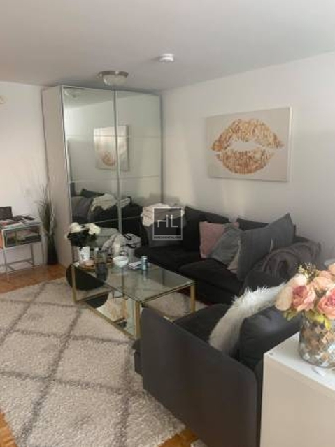 1 Bedroom, Battery Park City Rental in NYC for $2,904 - Photo 1