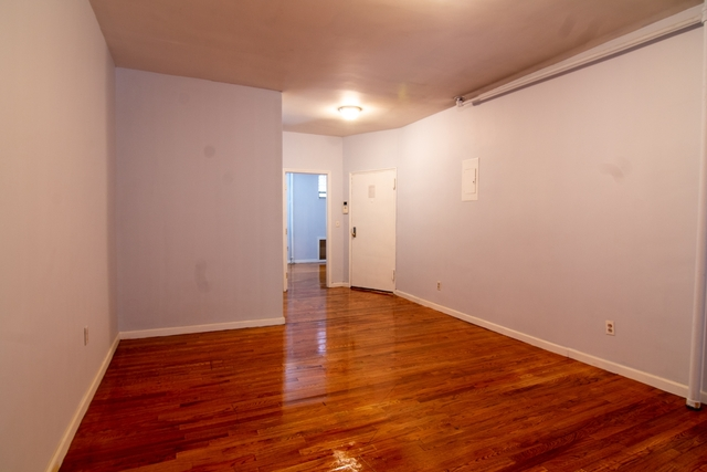 3 Bedrooms, Hell's Kitchen Rental in NYC for $4,150 - Photo 2