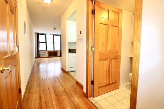 Studio, Upper West Side Rental in NYC for $1,880 - Photo 2