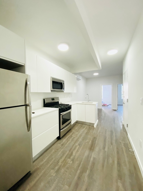 3 Bedrooms, Williamsburg Rental in NYC for $2,800 - Photo 1
