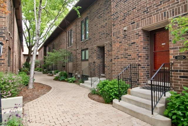 3 Bedrooms, Lincoln Park Rental in Chicago, IL for $3,900 - Photo 1