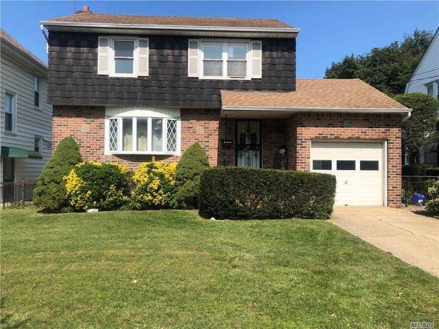 3 Bedrooms, Floral Park Rental in Long Island, NY for $3,000 - Photo 1