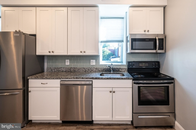 2 Bedrooms, Pleasant Plains Rental in Washington, DC for $2,400 - Photo 2