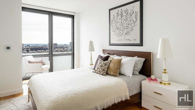 3 Bedrooms, Hell's Kitchen Rental in NYC for $6,838 - Photo 2