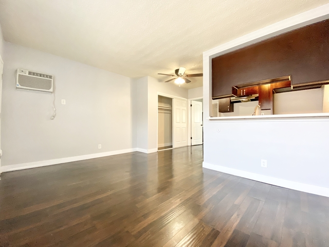 1 Bedroom, Hollywood Studio District Rental in Los Angeles, CA for $1,650 - Photo 2