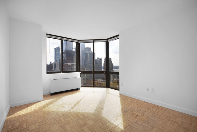 2 Bedrooms, Hell's Kitchen Rental in NYC for $3,960 - Photo 2