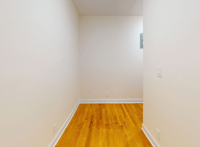 2 Bedrooms, East Village Rental in NYC for $2,411 - Photo 2