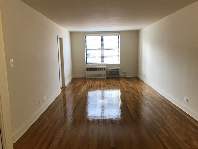 2 Bedrooms, Forest Hills Rental in NYC for $1,810 - Photo 1