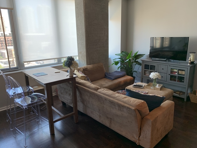 Studio, West Loop Rental in Chicago, IL for $1,750 - Photo 2