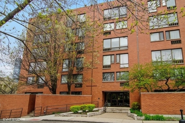 3 Bedrooms, Dearborn Park Rental in Chicago, IL for $3,000 - Photo 1