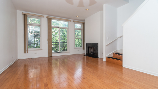 2 Bedrooms, University Village - Little Italy Rental in Chicago, IL for $2,800 - Photo 2