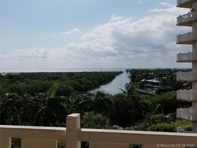 2 Bedrooms, Village of Key Biscayne Rental in Miami, FL for $3,800 - Photo 2