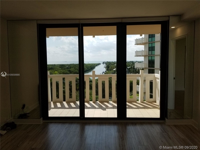 2 Bedrooms, Village of Key Biscayne Rental in Miami, FL for $3,800 - Photo 1