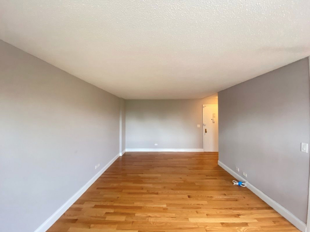 1 Bedroom, South Slope Rental in NYC for $2,850 - Photo 2