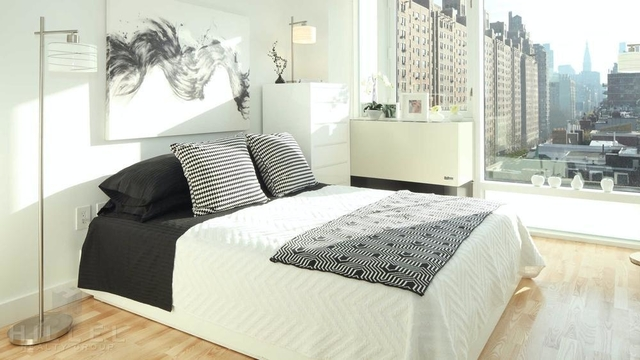 2 Bedrooms, Chelsea Rental in NYC for $6,814 - Photo 2