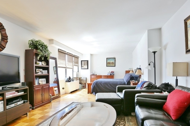 Studio, Yorkville Rental in NYC for $2,680 - Photo 1