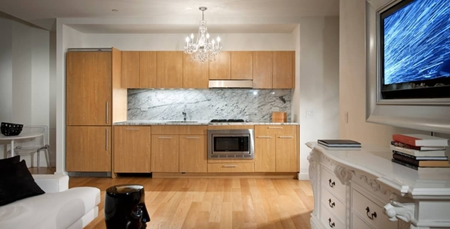 2 Bedrooms, Financial District Rental in NYC for $4,369 - Photo 2