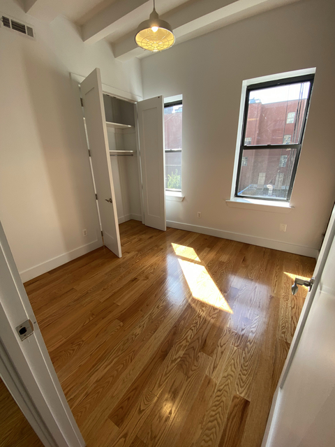 3 Bedrooms, East Williamsburg Rental in NYC for $850 - Photo 2