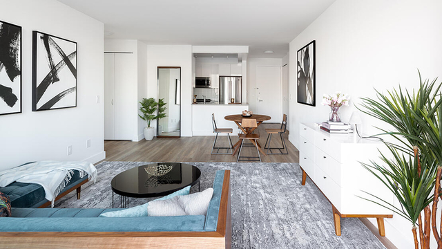 Studio, Hunters Point Rental in NYC for $2,163 - Photo 2