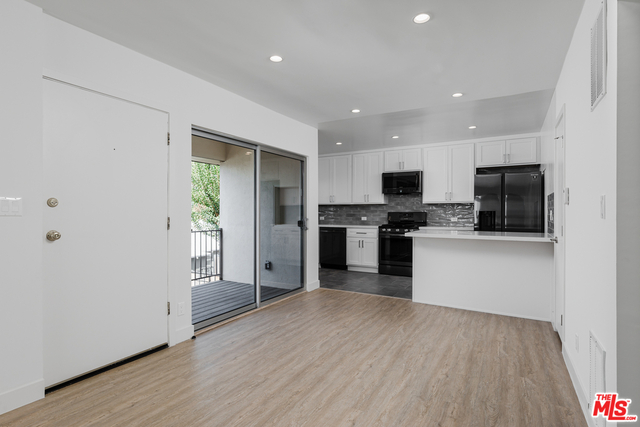 2 Bedrooms, Sunset Park Rental in Los Angeles, CA for $4,250 - Photo 1