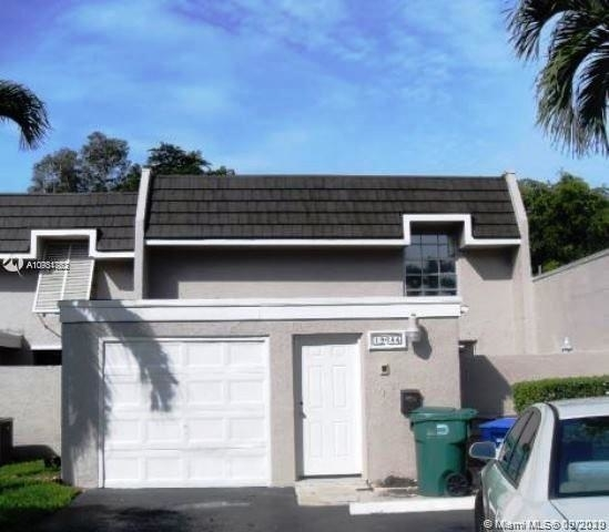 4 Bedrooms, Country Club of Miami Fairway Townhouses Rental in Miami, FL for $2,999 - Photo 1