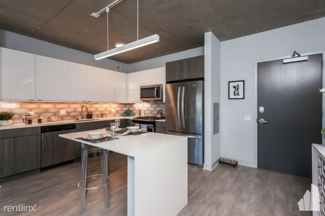 1 Bedroom, Wrigleyville Rental in Chicago, IL for $2,495 - Photo 1