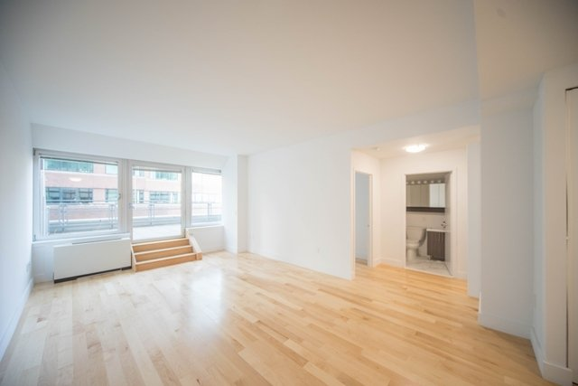 1 Bedroom, Financial District Rental in NYC for $2,996 - Photo 1