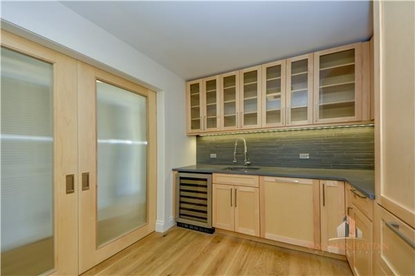 4 Bedrooms, Yorkville Rental in NYC for $10,000 - Photo 2