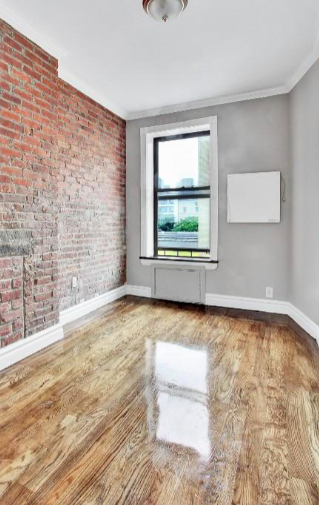 3 Bedrooms, Hell's Kitchen Rental in NYC for $3,745 - Photo 2