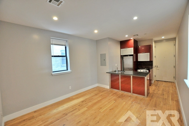 4 Bedrooms, Crown Heights Rental in NYC for $2,560 - Photo 2