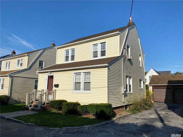 3 Bedrooms, Manhasset Rental in Long Island, NY for $3,600 - Photo 1