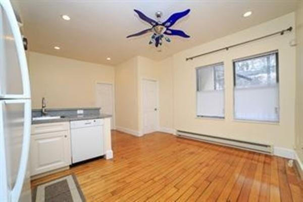 2 Bedrooms, Highland Park Rental in Boston, MA for $1,800 - Photo 1