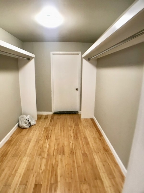 2 Bedrooms, Hunters Point Rental in NYC for $2,800 - Photo 2