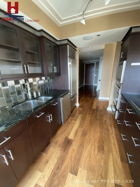 2 Bedrooms, Magnificent Mile Rental in Chicago, IL for $3,250 - Photo 2