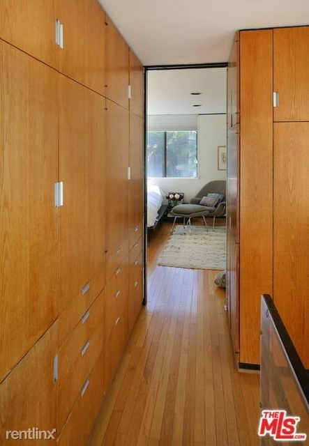 3 Bedrooms, Oxford Triangle Rental in Los Angeles, CA for $8,200 - Photo 2
