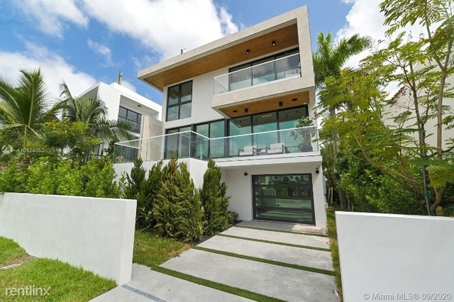 3 Bedrooms, Palm Rental in Miami, FL for $15,000 - Photo 1