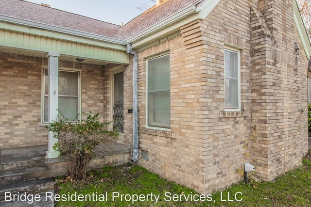 2 Bedrooms, Arlington Heights Rental in Dallas for $1,275 - Photo 2