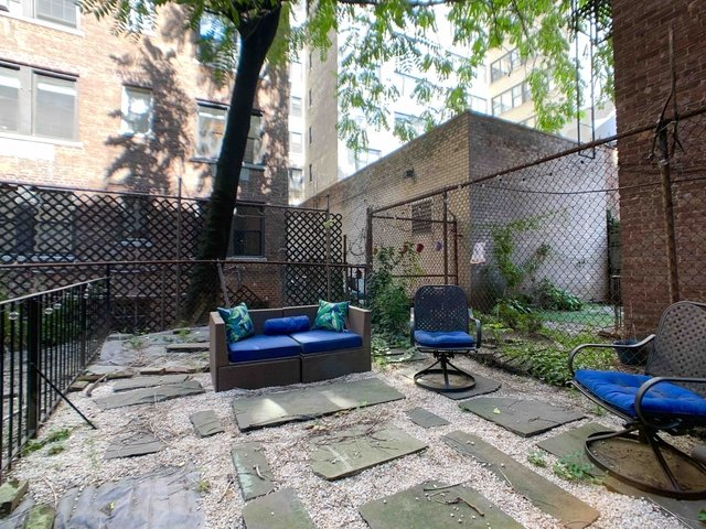 1 Bedroom, Carnegie Hill Rental in NYC for $2,333 - Photo 2