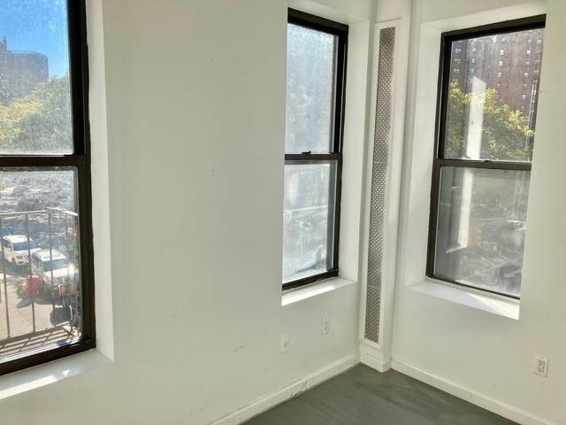 2 Bedrooms, Two Bridges Rental in NYC for $2,300 - Photo 2