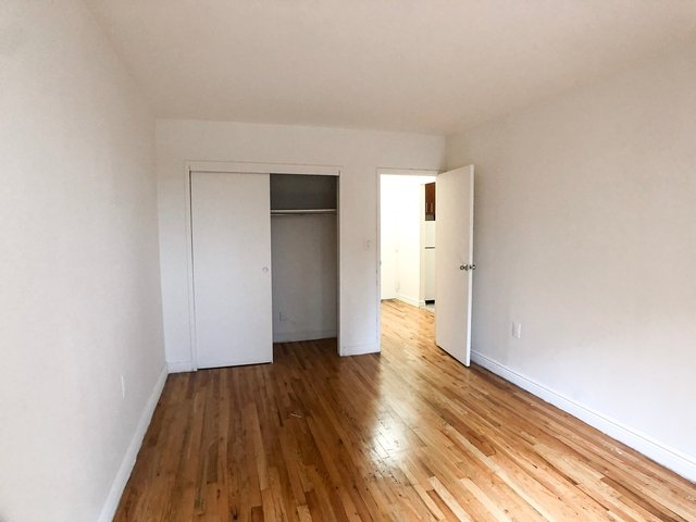 2 Bedrooms, Gramercy Park Rental in NYC for $3,995 - Photo 2