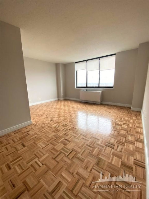 Studio, Yorkville Rental in NYC for $1,725 - Photo 2