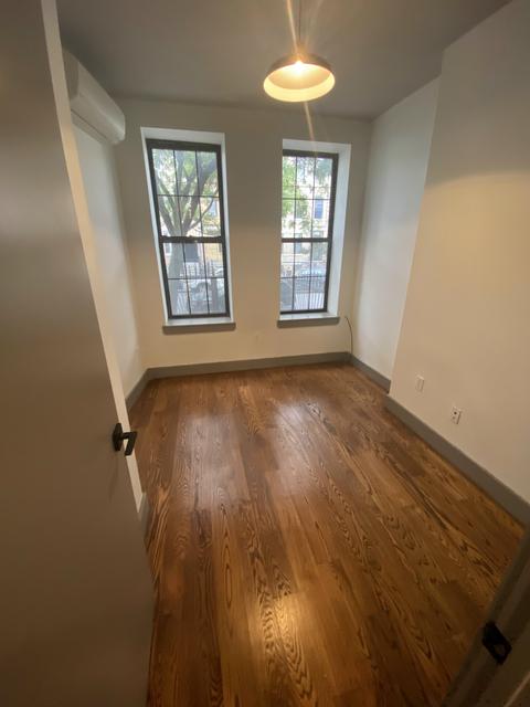 3 Bedrooms, Ridgewood Rental in NYC for $750 - Photo 1