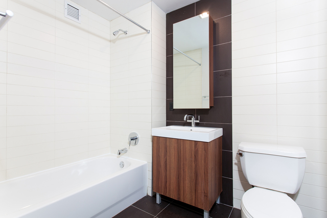 Studio, Financial District Rental in NYC for $2,385 - Photo 2