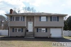 3 Bedrooms, Center Moriches Rental in Long Island, NY for $2,800 - Photo 1