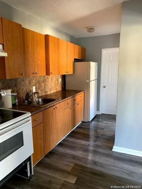 2 Bedrooms, Hialeah Acres Rental in Miami, FL for $1,250 - Photo 2