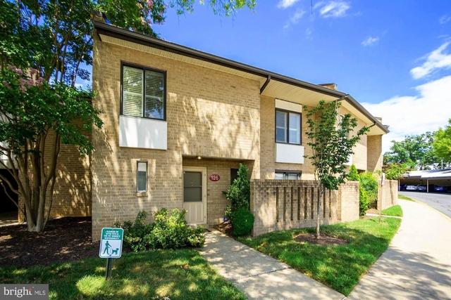 3 Bedrooms, Central Rockville Rental in Washington, DC for $2,450 - Photo 1