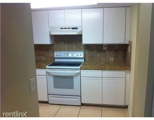 3 Bedrooms, Colonnades Condominiums Rental in Miami, FL for $1,850 - Photo 1