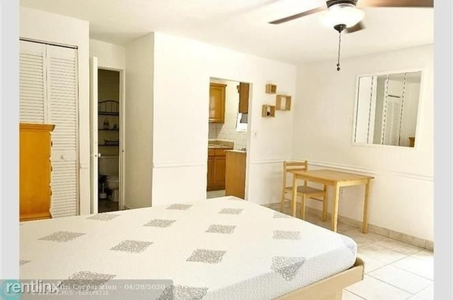 1 Bedroom, North Central Hollywood Rental in Miami, FL for $1,100 - Photo 2