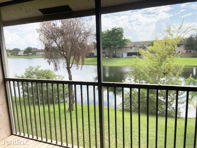 2 Bedrooms, Welleby Rental in Miami, FL for $1,450 - Photo 1